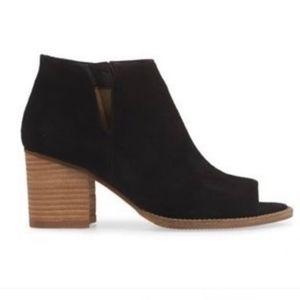 Blondo Black Waterproof Leather Booties 8.5